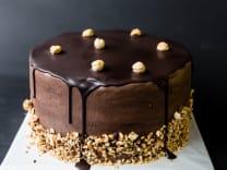 ტორტი თხილით და შოკოლადის შიგთავსით