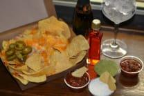 Cocktail e nachos supreme