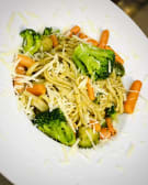 """Pasta """"Munich"""" with vegetables and pesto sauce"""