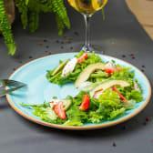 Салат з полуницею і авокадо (210г)