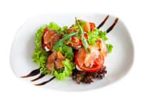 Салат з лососем гравлакс (250г)