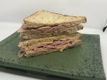 Сендвіч з шинкою (180г)