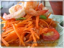 Som Tam with carrot- Cucumber and shrimp