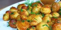 Fried Potatoes with Plum Sauce