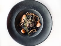 Чорна паста з морепродуктами (250г)
