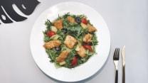 ქათმის სალათი ხილით