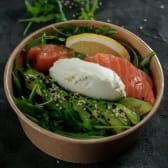 Салат зі свіжим лососем (220г)