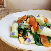 Салат з лососем на цукіні