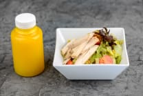 Мікс салатів з кускусом та медово-гірчним соусом + фреш (430г)