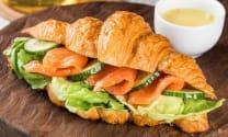 კრუასანი ორაგულით/Croissant with salmon