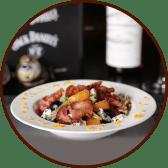 Мікс салат з панчетою, сиром дор блю та мандарином (250г)