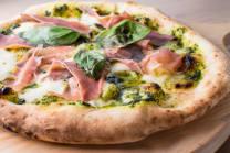 Піца з прошуто крудо та песто (380г)