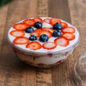 კრემი სეზონური ხილით, გრანოლით
