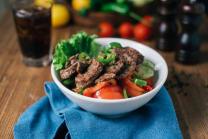 ტალიატა და მანზო- სალათი ხორცით