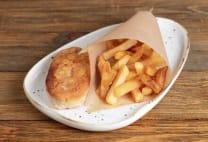 ქათმის კოტლეტი ყველით და ფრით/Chicken cutlet with cheese and fries