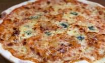 პიცა ოთხი ყველით + ლეგატოს უსაფუარო პურის ორცხობილა