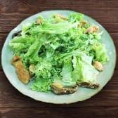 ქათმის ხორცის ცხელი სალათი