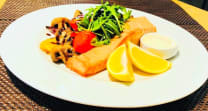 Salmon fillet with grilled vegetables