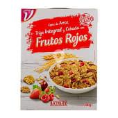 Cereales copos de arroz de trigo integral con frutos rojos