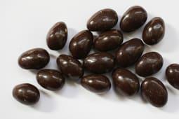 შოკ დრაჟე ნუშით შავ შოკოლადში 100გრ