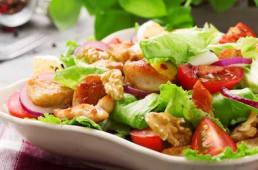 Salade Pimentée au Poulet