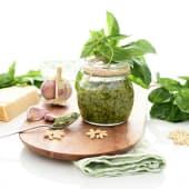 Pesto Verde De Albahaca Y Parmiggiano