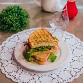 Tosta de Atum com salada