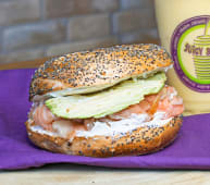 Bagel Salmon & Avocado