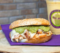 Bagel Guacamole & Chicken