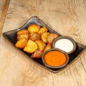 Patatas dos salsas (alioli y brava)