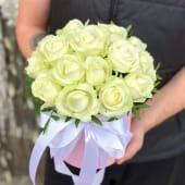 21 біла троянда в шляпной коробці