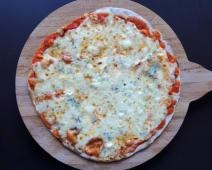 Pizza gourmet quesos