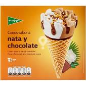 Conos de helado sabor nata y chocolate