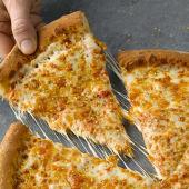 Pizza Seis Quesos Familiar