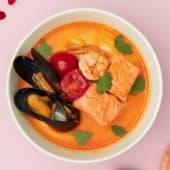 Суп Том Ям з лососем та креветками (250г)