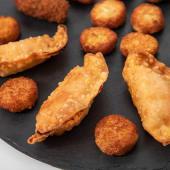 Empanadillas de pollo fritas (1 ud.)