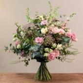 Ramo variado de flores de temporada
