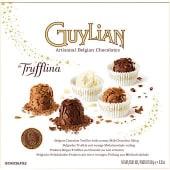 Trufas de chocolate belga con láminas de chocolate con leche