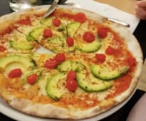 Pizza Aguacate