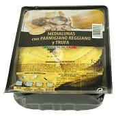 Pasta fresca medialunas de queso parmesano y trufa