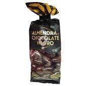 Almendra bañada al chocolate negro