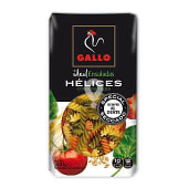 Hélice con espinacas y tomate