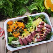 Salata cu piept de rata si dressing de portocale