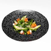 Салат з лососем, авокадо та крем-сиром