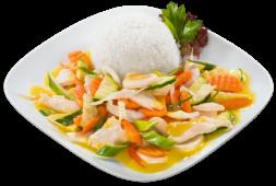 Smażony kurczak z warzywami w żółtym curry