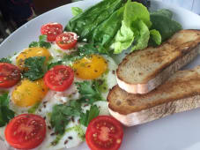 Яєчня глазунья з зеленню (265г)