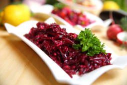 Салат свекольный с орехами (250г)
