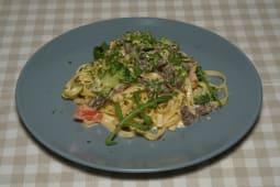 Феттучині з телятиною та броколі (350г)