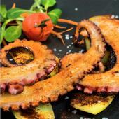 Pulpo a la Plancha con patatas/ Caracatiță la gratar