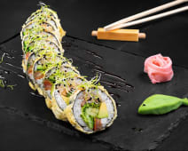 Veggie tempura (sushi roll)